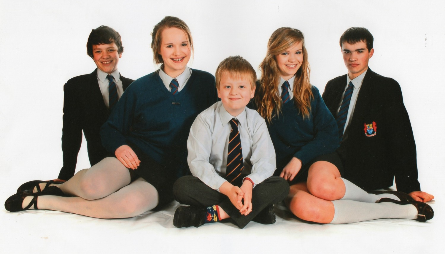 Family photo of Aaron Macaulay (centre) with his siblings (L-R) Jack, Helen, Hazel & Matthew